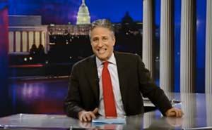 """John Stewart förbereder """"Rally to restore sanity"""". Bild från video"""