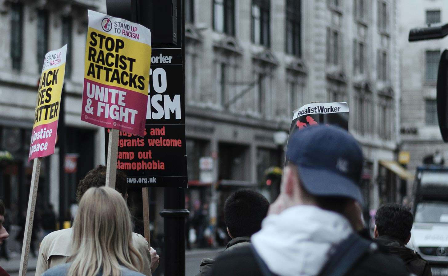 Brittisk demonstration mot rasism. Foto: Henry Be / Unsplash