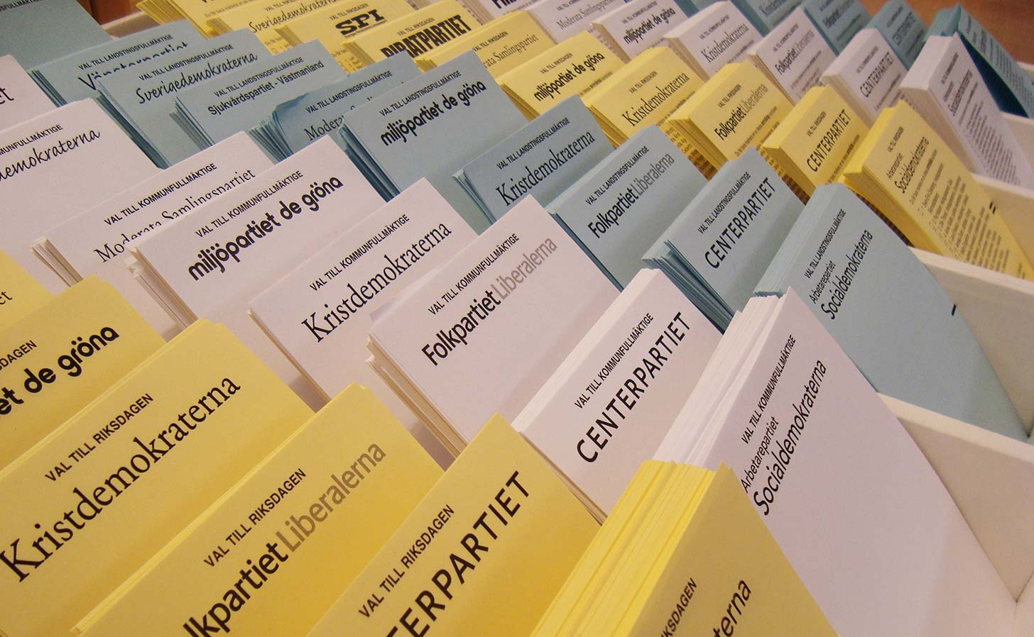 Valsedlar från ett tidigare val. Foto: phatlewt / Flickr (CC BY-SA 2.0)